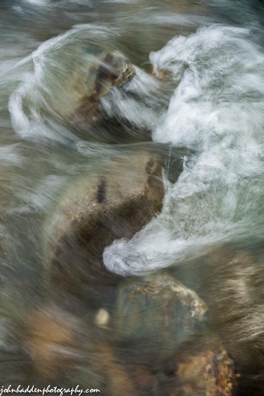Standing waves over rocks in Fargo Brook